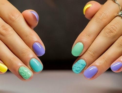 Renklerin patlaması! Yaz maniküründe renkli fikirler ve tırnak yenilikleri