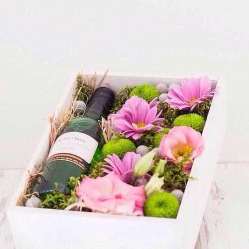 Tendance floristique à la mode: des fleurs à faire soi-même dans une boîte
