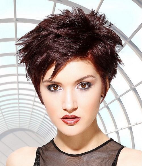 Moda kısa kadın saç kesimi - fotoğraflar, fikirler, haberler