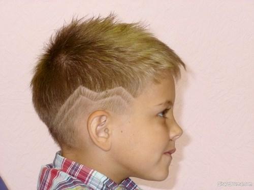 Coupes de cheveux à la mode pour les garçons.Idées de coupes de cheveux photo, tendances, tendances