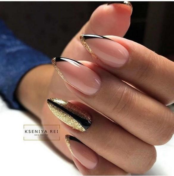 Conception d'ongles pointus: ongles pointus à la mode - idées de photos dans différentes techniques