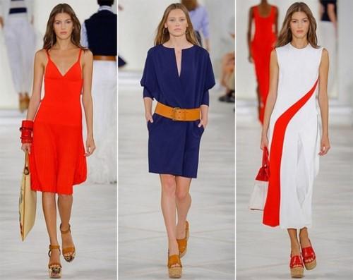 Tendances de la mode printemps-été: revue de photos des arcs, des ensembles et des combinaisons de vêtements stylés