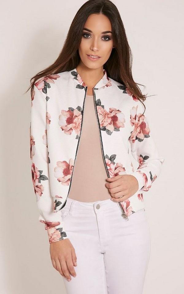 Moda ceketler ve kadınlar için sezon ceketleri: fotoğraflar