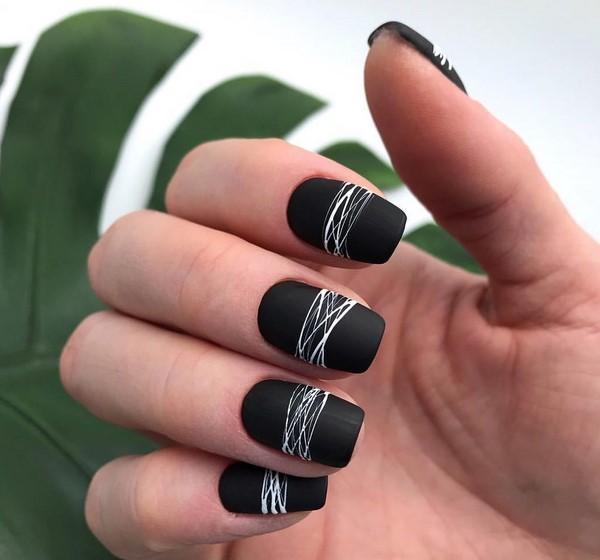 Yeni manikür jel cila: fotoğraftaki tırnak tasarımı jel cila ilginç örnekleri