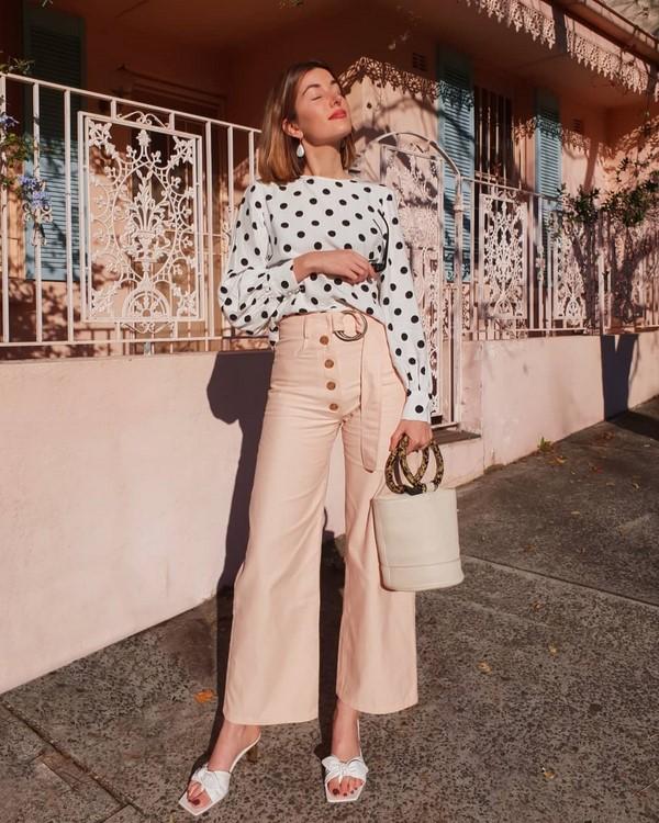 Yaz aylarında ne giymeli.Fotoğraftaki son trendler ve yeni görüntüler