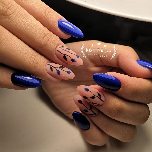Manucure bleue inspirante. Top innovations