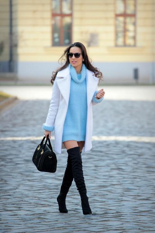 Robe réelle de la saison froide! Habille un pull. Idées d'images